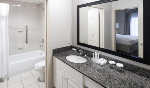 Homewood Suites By Hilton Miami-Airport/Blue Lagoon - Miami, FL 33126