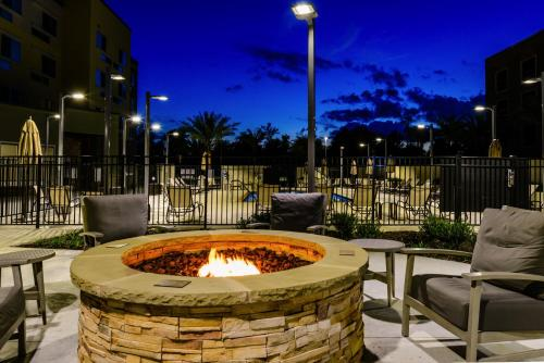 Courtyard by Marriott Lake Charles - Lake Charles, LA 70601