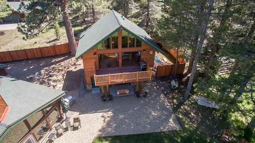 7 Bedroom On Golf Course W/Indoor Pool Vacation Rental - South Lake Tahoe, CA 96150