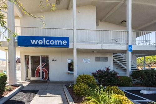 Motel 6 Reno - Virginia Plumb Photo