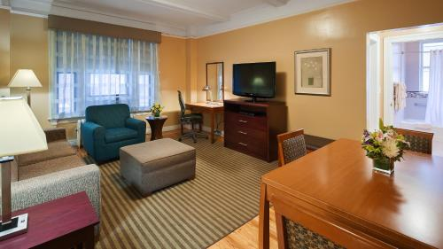 Best Western Plus Hospitality House Suites photo 59