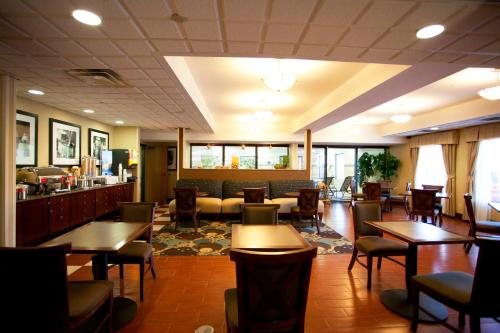 Hampton Inn Port Huron Photo