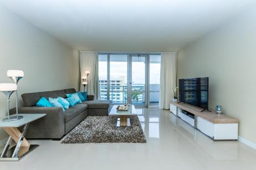 Apartments OP by Design Suites Miami Photo