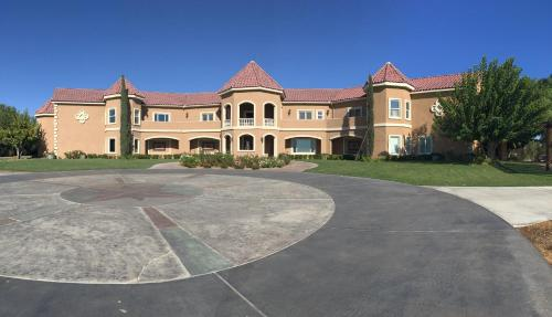 Wilson Creek Manor - Temecula, CA 92591