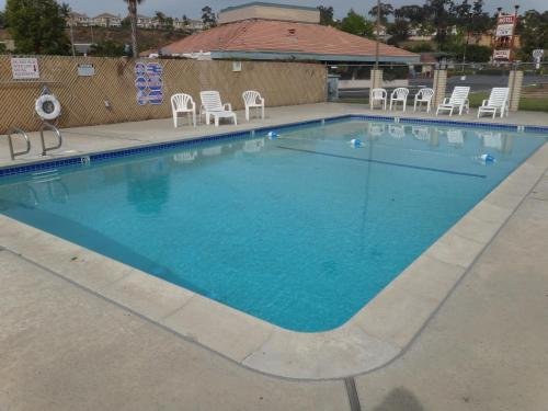 Franciscan Inn Motel - Vista, CA 92083