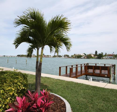 Westwinds Waterfront Resort - Treasure Island, FL 33706