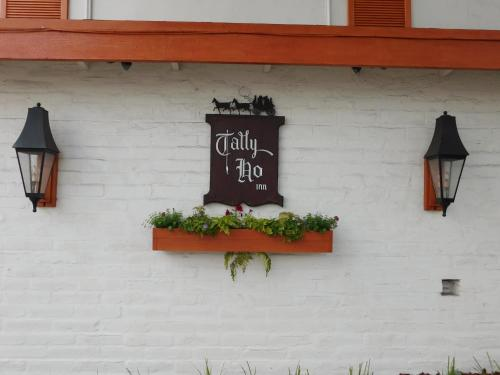 Tally Ho Inn Photo