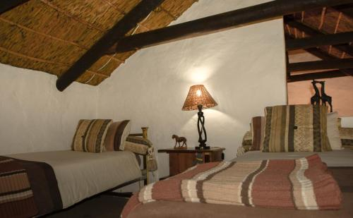 Old Thatch Lodge Photo
