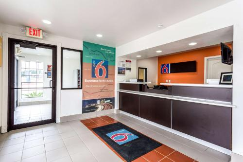 Motel 6 Bryan/College Station Photo
