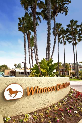 Winners Circle Resort Photo