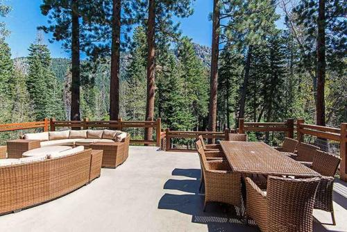 6 Bedroom Mountain Luxury Estate Vacation Rental - South Lake Tahoe, CA 96150