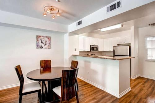 Amazing Townhouse in Cortez Hill - San Diego, CA 92101