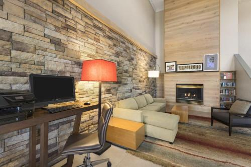 Country Inn & Suites by Carlson - Ankeny Photo