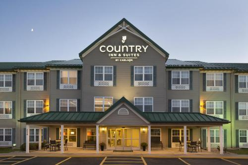 Country Inn & Suites Ankeny - Ankeny, IA 50021