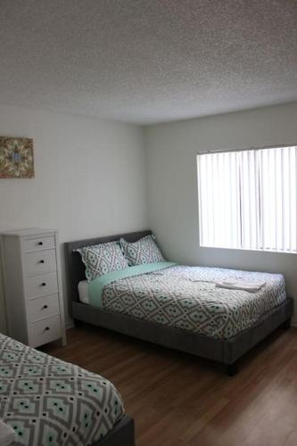 Pelham Apartment 2 - Los Angeles - Los Angeles, CA 90025