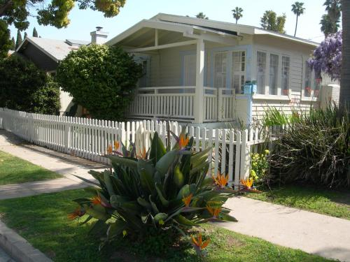 The Howland House - Los Angeles, CA 90291