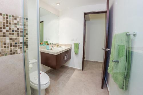 Quiet & Relaxing 2BR condo in the most exclusive area by Happy Address Photo