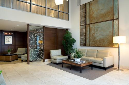 Global Luxury Suites at Mission Rock Photo