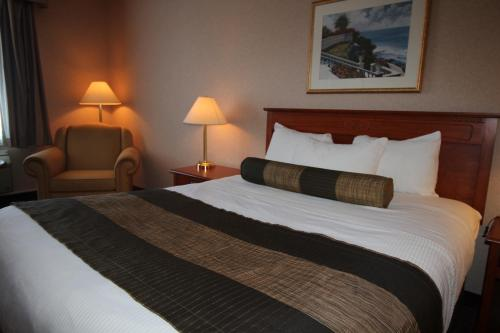 Quality Inn & Suites Hawkesbury Photo