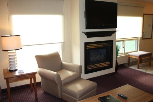 Best Western Plus NorWester Hotel & Conference Centre Photo