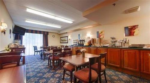 Best Western PLUS Chelmsford Inn Photo