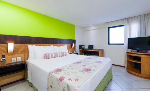 Quality Suites Natal Photo