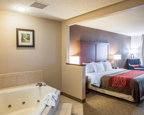 Comfort Inn Lawrenceburg Photo