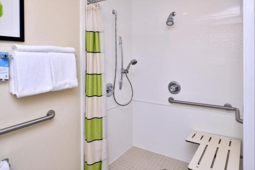 Fairfield Inn and Suites by Marriott Gulfport Photo