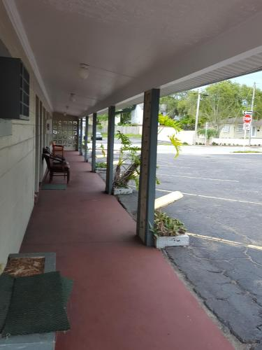 Three Oaks Motel - Titusville Photo