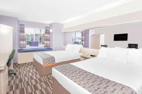 Microtel Inn and Suites by Wyndham Appleton Photo