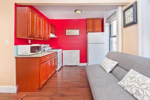 Chic 2 Bedrooms near Times Square photo 23