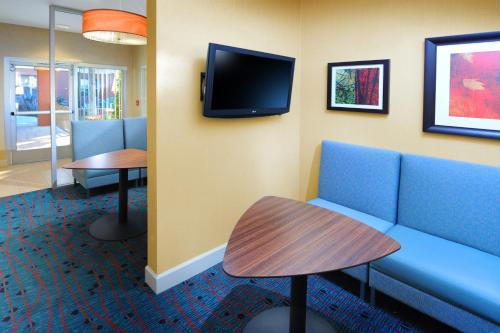 Residence Inn Phoenix Airport photo 7