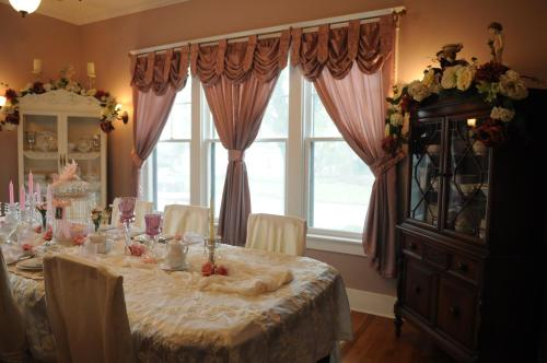 Southard House Bed and Breakfast Inn Photo