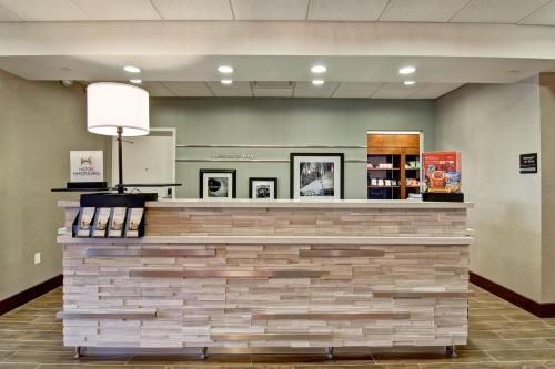 Hampton Inn & Suites Detroit/Troy Photo