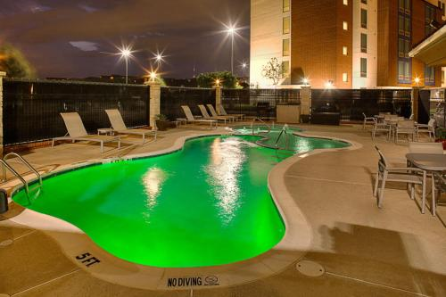 Hampton Inn and Suites Dallas/Lewisville-Vista Ridge Mall Photo