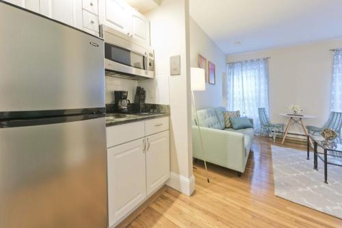 226 Newbury Street Apartment Photo