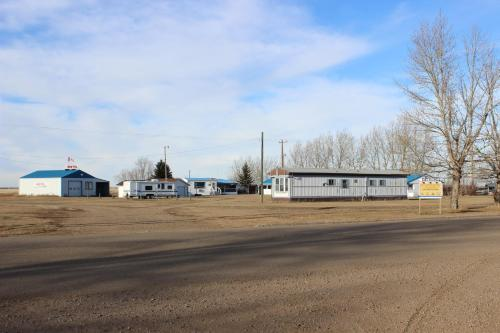 Raval Paradise Motel and RV Park Photo