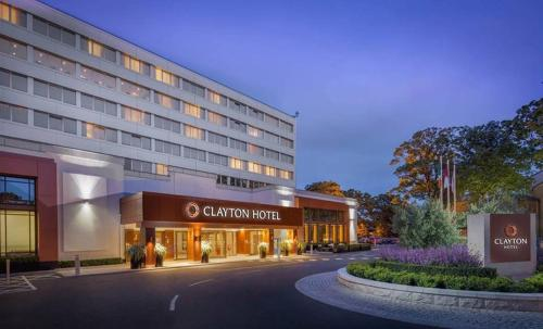 Clayton Hotel Burlington Road impression