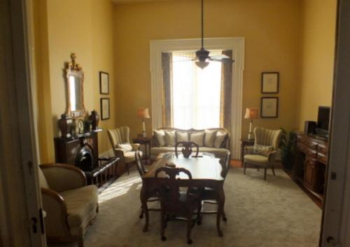 The Pepin Mansion Bed & Breakfast Photo