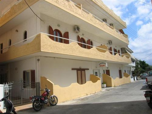Popi Apartments - Arx. Makariou 7  Greece