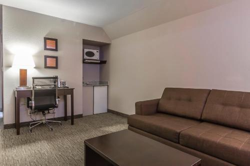 Comfort Inn & Suites Yorkton Photo