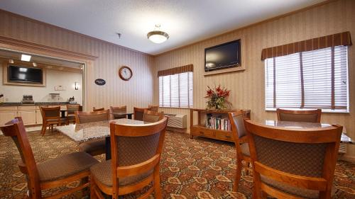 Best Western Plus Macomb Inn Photo
