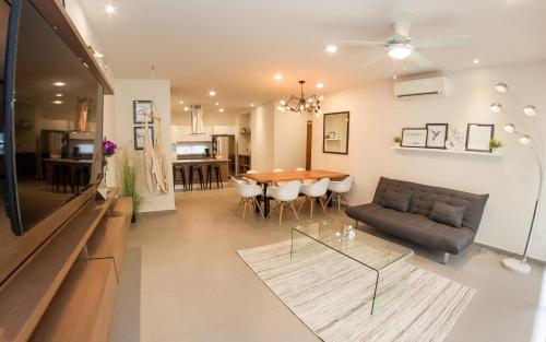 Lovely 2BR condo in perfect neighborhood by Happy Address Photo