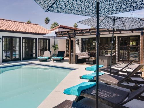 Paradise at Movie Colony East Home - Palm Springs, CA 92262