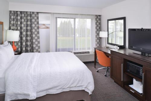 Hampton Inn Portland East Photo
