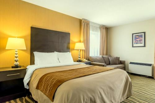Comfort Inn Barrie Photo