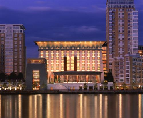 Canary Riverside Plaza Hotel impression