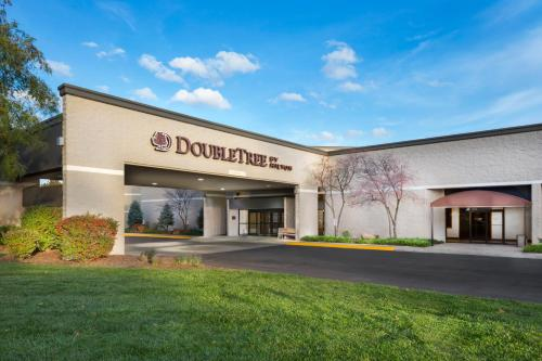 DoubleTree by Hilton Lawrence Photo
