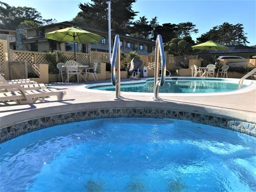Best western park crest inn monterey ca united states for Pool show monterey