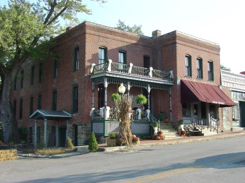 Iron Horse Hotel And Restaurant